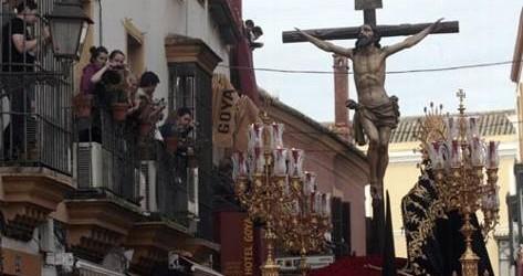 La decana del Martes Santo revoluciona su recorrido Recorrido 'revolucionario'. ¿Se imaginan a los enlutados nazarenos de Santa Cruz descendiendo […]