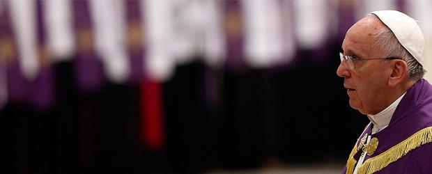 """La Hermandad de Santa Cruz ha recibido con enorme alegría la noticia de la proclamación del  Año Santo de la Misericordia realizada el pasado día 11 de abril por su Santidad el Papa Francisco. Siendo su Titular el Santísimo Cristo de las Misericordias y su lema """"Multae Misericordiae Eius Sunt"""", la Hermandad se siente especialmente interpelada  por las palabras y las intenciones de su Santidad expresadas en los 25 puntos de la bula """"Misericordiae Vultus""""."""