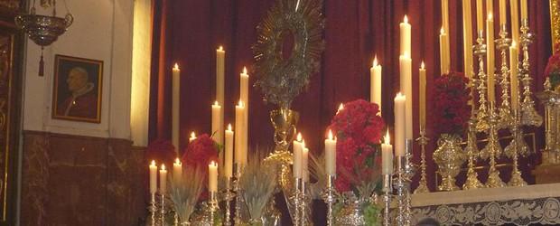Viernes 3, sábado 4 y domingo 5 de junio. 20:00h. Triduo Sacramental.