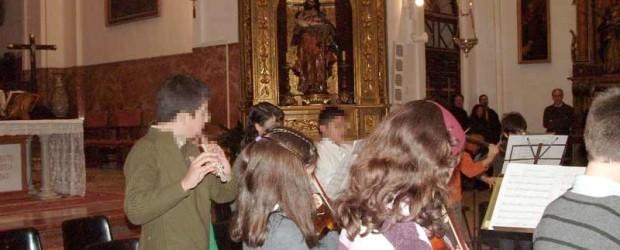 El próximo viernes 16 se celebrará un año más el concierto de Navidad, tras la Misa de 20:00; dicho concierto será ofrecido por los alumnos del Conservatorio de Música Elemental de Triana.