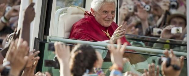 """MENSAJE DEL SANTO PADRE BENEDICTO XVI PARA LA XXVI JORNADA MUNDIAL DE LA JUVENTUD 2011 """"Arraigados y edificados en […]"""