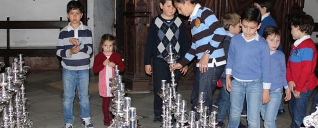 Sábado 5 de marzo. 12:30h. Montaje de la candelería del paso de Nuestra Señora de los Dolores con especial invitación […]